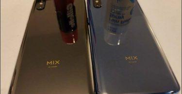 نسخه های آبی و مشکی گوشی می میکس 3