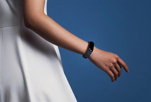 صفحه نمایش رنگی می بند 4 شیائومی دارای watch faces