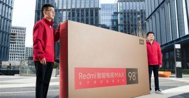 نصب تلویزیون 98 اینچی Redmi بزرگ کار ساده ای نیست