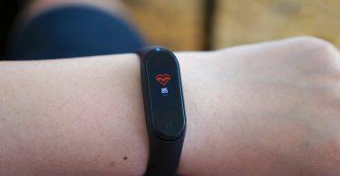 بروزرسانی جدید سیستم عامل Mi Band 4 اشتراک گذاری ضربان قلب را امکان پذیر می کند